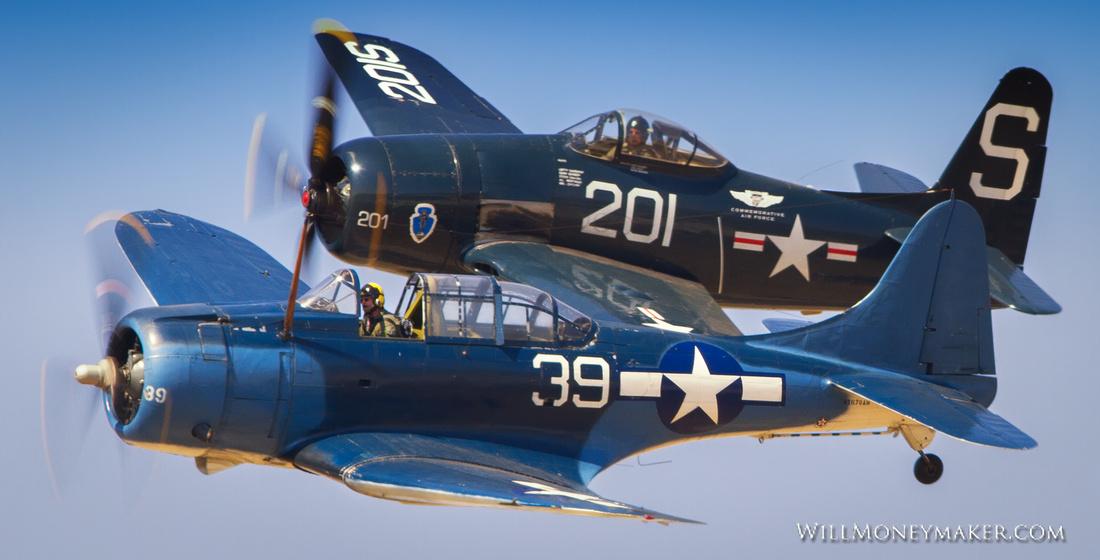Grumman F8F Bearcat and Douglas SBD-5 Dauntless